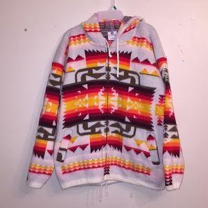 Navajo print zip up jacket!🌞🌼